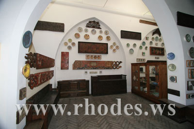 DECORATIVE ARTS COLLECTION